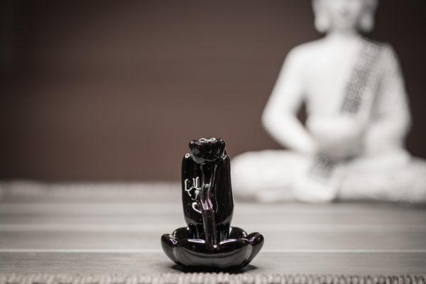 Räucherbrunnen Hand und Lotus Frontansicht
